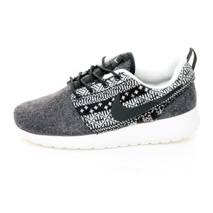 (女)NIKE WMNS NIKE ROSHE ONE WINTER休閒鞋黑685286001-